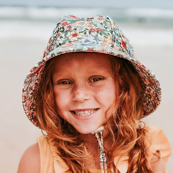 Girls Swim Hat Bucket Flower Model Front