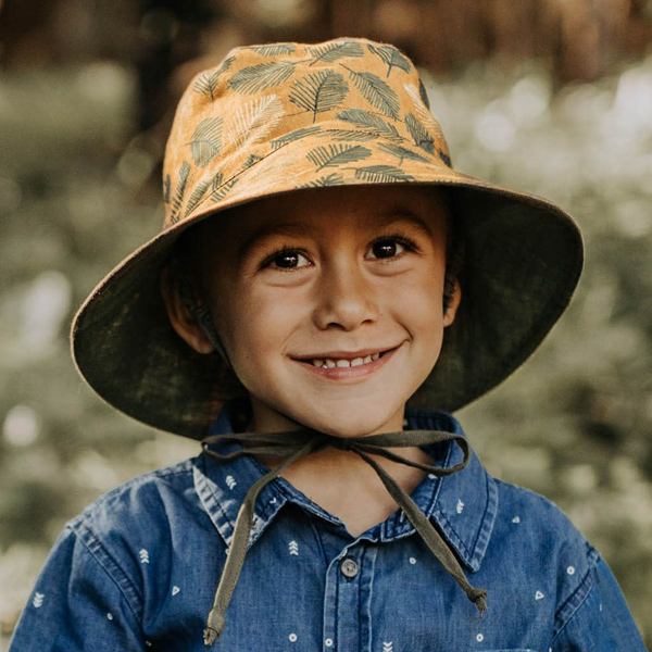 Kids Reversable Sun Hat Oakley Model Front