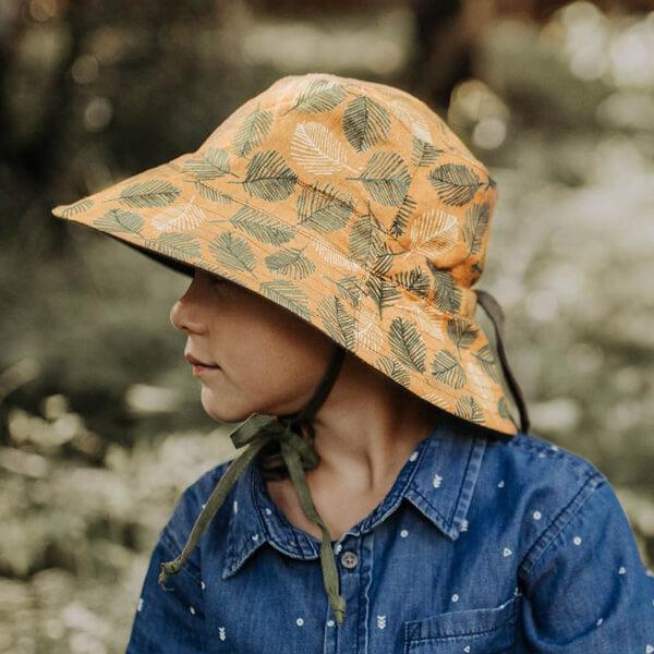 Kids Reversable Sun Hat Oakley Model Side
